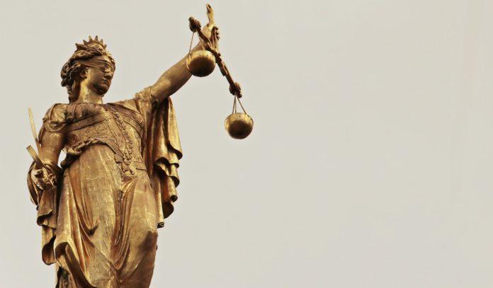 justitia 2597016 1920