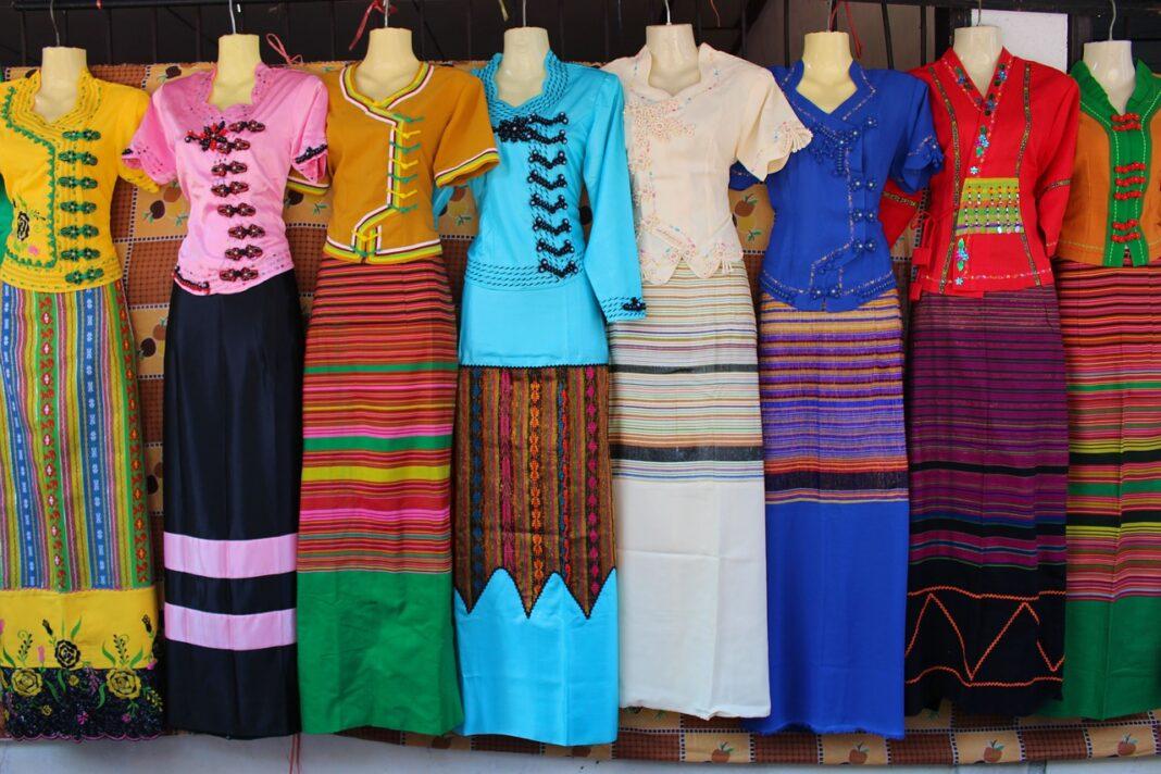 dresses 2059493 1280